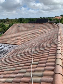 Roof Cleaning Near Me (Boca Raton, FL 33486)